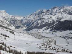 Livigno - Italia/Italy ~ going there soon Places In Europe, Places To See, Travel Around The World, Around The Worlds, Go Skiing, Ski Holidays, Countries To Visit, Italy Travel, Beautiful Places