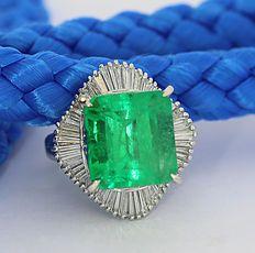 Zeldzaamheid: Ring met smaragd en diamant met een totaal van 10,84 ct in 900…