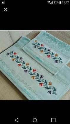 This Pin was discovered by Kev Towel Embroidery, Embroidery Flowers Pattern, Doily Patterns, Flower Patterns, Embroidery Stitches, Cross Stitch Boarders, Cross Stitch Flowers, Cross Stitching, Cross Stitch Patterns