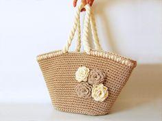 (4) Name: Bolsa de Praia com flores (Crochê)
