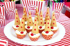 Come One, Come All to the Mane Event Carnival Cupcakes, Circus Cupcakes, Carnival Themes, Cute Cupcakes, Themed Cupcakes, Circus Party Foods, Circus Food, Clown Party, Snacks Für Party