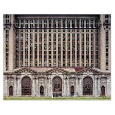 """It is just so sad the way that Detroit has went down.Michigan Central Station, from """"The ruins of Detroit"""" by Yves Marchand & Romain Meffre (Steidl) Abandoned Buildings, Old Buildings, Abandoned Places, Abandoned Train, Abandoned Mansions, Detroit Ruins, Abandoned Detroit, Detroit Slums, Arquitetura"""
