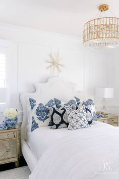 How to Cozy up any Bedroom with a Comforter. Comforters take your bed from drab to fab! Add this simple essentail to your bed for the best nights sleep White Bedroom Design, White Bedroom Decor, Glam Bedroom, White Home Decor, Home Decor Bedroom, Cheap Home Decor, Bedroom Ideas, Bedroom Makeovers, Blue And White Bedding