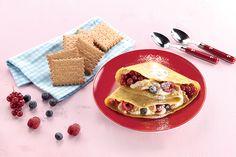 """Γλυκές κρέπες με κρέμα, φρούτα του δάσους και """"ΠΤΙ-ΜΠΕΡ"""" ΠΑΠΑΔΟΠΟΥΛΟΥ Waffles, Pancakes, Sweet Bread, Crepes, Finger Foods, Tacos, Sweets, Breakfast, Ethnic Recipes"""