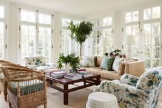 Beige and green living room color scheme - cottage - living room Cottage Living Rooms, Living Room Green, Living Room Chairs, Coastal Living, Living Spaces, Living Room Styles, Living Room Color Schemes, Georgian Style Homes, Deco Addict