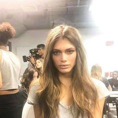 L'interview exclusive de Valentina Sampaio, top transgenre en couverture de Vogue Paris 1