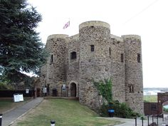 SmarterTravel - The Best Trips Start Here Best Travel Deals, Castle Ruins, East Sussex, Mount Rushmore, Tower, Museum, Rye England, Castles, Explore