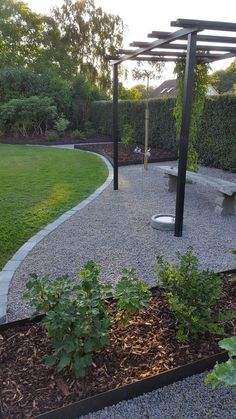 Pergola och Stålkanter Pergola and Steel Edges Vegetable Garden Design, Backyard Garden Design, Backyard Patio, Backyard Landscaping, Back Gardens, Outdoor Gardens, Gravel Garden, Pea Gravel Patio, Garden Cottage