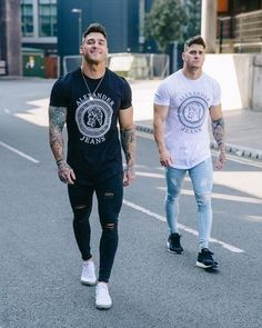 100 amazing street styles for the bold and handsome men page 25 > homemytri com is part of Mens fashion casual - Fashion 90s, Sport Fashion, Fitness Fashion, Fashion Outfits, Mens Fashion, Sweet Jeans, Men With Street Style, Slim Fit Pants, Ripped Skinny Jeans