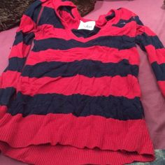 MUST GO Long sleeve shirt Wore few times in good shape Hollister Tops Tees - Long Sleeve