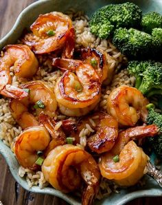 Easy, healthy, and on the table in about 20 minutes! Honey garlic shrimp recipe … Easy, healthy, and on the table in about 20 minutes! Honey garlic shrimp recipe on sallysbakingaddic… Fish Recipes, Seafood Recipes, Meal Recipes, Healthy Shrimp Recipes, Cooked Shrimp Recipes, Baked Shrimp, Cake Recipes, Shrimp Dinner Recipes, Chinese Shrimp Recipes
