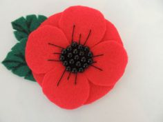Beautiful-Felt-Poppy-Brooch-Handmade-felt-flower-brooch Brooches Handmade, Handmade Felt, Poppy Brooches, Remembrance Day, Flower Brooch, Felt Flowers, Poppies, Projects To Try, Beautiful