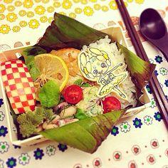 そして週末、金曜日。 アボカドとかいわれの明太子和え 白豆のサラダ 鶏胸肉バターレモンソース ロマネスク、プチトマト ぶどうとりんご - 47件のもぐもぐ - そして金曜日、先週ラストのお弁当。 by Yuka Nakata