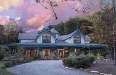 Eight Gables in Gatlinburg, Tennessee | B&B Rental