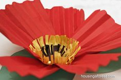 tutorial for large paper flowers, use for O'Keefe study, love these Remembrance Day Activities, Remembrance Day Art, Flower Crafts Kids, Crafts For Kids, Craft Kids, Poppy Craft, Sculpture Lessons, Spring Art, Spring Crafts