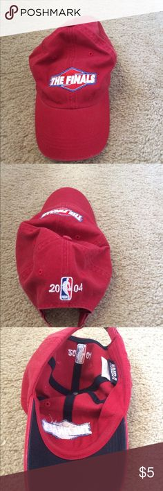official photos bae75 edc25 The NBA finals 2004 hat Euc. Smoke and pet free home. Accessories Hats  Finals