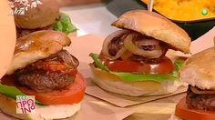 μίνι μπέργκερ με μπριός ψωμάκι Hamburger, Sandwiches, Ethnic Recipes, Food, Essen, Burgers, Meals, Paninis, Yemek