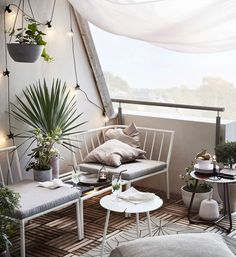 Decorate a small balcony 11 tips Decorate a small balcony 11 tips Small Space Interior Design, Interior Design Living Room, Pallet Furniture, Outdoor Furniture Sets, Outdoor Decor, Apartment Balconies, Hammock, Balcony, Small Spaces