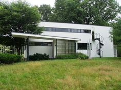 Built by Walter Gropius in Lincoln, United States with date 1938. Images by Wikimedia Commons. Home to one of the most influential architects of the 20th Century, the Gropius House was the residence of Walter Gro...