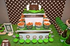 Throw the ultimate kids super bowl party for your little linebacker! Find fun, creative and unique ideas for everything you need to throw the best super bowl party in your neighborhood! Kids Football Parties, Football Birthday, Games Football, Football Baby, Super Bowl Party, Yellow Summer Squash, Sports Party, Fun Snacks For Kids, Party Themes