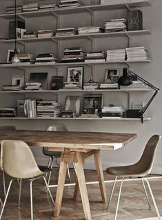 Great meeting table & space / Styling: Lotta Agaton / Photo: Pia Ulin