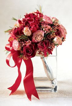 Un tocco di rosa ammorbidisce il rosso