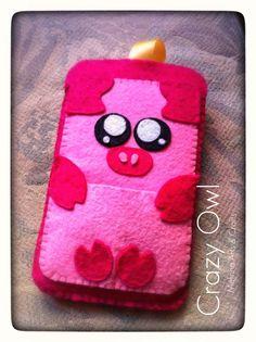 Piggy felt iphone case (front)
