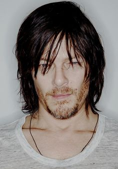 Daryl http://the-walking-dead-guide.tumblr.com/archive