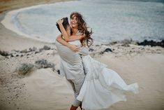 5 tips Fun and relaxed wedding photography. Here are my top tips for you to find the perfect wedding photographer for your fun and relaxed wedding day.