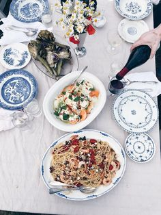 Dinner Is Served, Deco Table, Food Design, Dinner Table, Family Meals, Food Inspiration, Love Food, Food Photography, Neutral