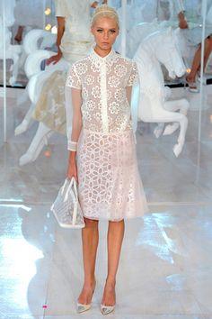 Fotos de Pasarela | Louis Vuitton, primavera-verano 2012 Primavera Verano 2012 Paris Fashion Week | 2 de 49 | Vogue