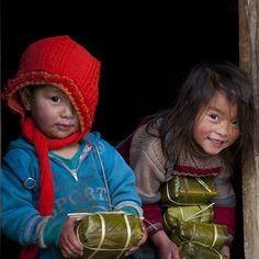 Hmong children. http://viaggi.asiatica.com/