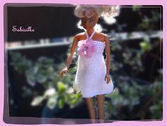 Puppenkleidung - Minikleid mit rosa Blüte für Barbie *** weiss - ein Designerstück von Sabisilke bei DaWanda