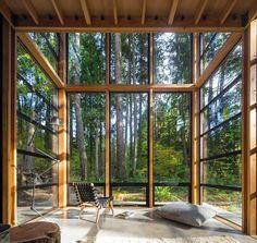 "6,056 mentions J'aime, 27 commentaires - designboom magazine (@designboom) sur Instagram: ""inside lightbox house by bohlin cywinski jackson, a south facing two-story sunroom frames the dense…"""