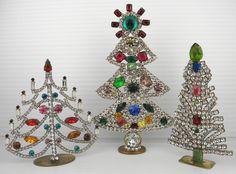 Pretty Christmas Trees, Bohemian Christmas, Jewelry Christmas Tree, Last Christmas, Christmas Scenes, Christmas Minis, Jewelry Tree, Xmas Tree, Vintage Christmas
