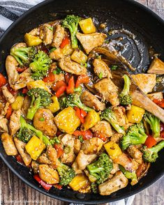 Pineapple Teriyaki Chicken Stir Fry {Whole30} | This easy and flavorful Pineapple Teriyaki Chicken is sweet and tangy. Perfect for the family to enjoy. It is Whole30, gluten free, and low carb as well. The juicy chicken and sweet pineapple covered in sweet and sticky teriyaki sauce, this will be a crowd pleaser this summer or any season. #pineapple #teriyakichicken #healthydinner #whole30recipe Easy Healthy Recipes, Paleo Recipes, Asian Recipes, Dinner Recipes, Dinner Ideas, Healthy Meals, Healthy Eating, Healthy Chicken, Lunch Ideas