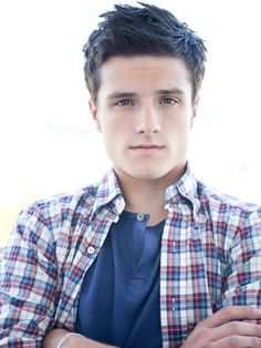 This is Peeta? Yeaaa, I don't remember him being quite so... mothereffing smoking HOT in the books. just sayin.