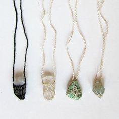 Kin of Kin - Amulet crochet necklace Macrame Jewelry, Crystal Jewelry, Diy Jewelry, Jewelry Box, Jewelry Accessories, Handmade Jewelry, Jewelry Making, Jewellery, Macrame Necklace