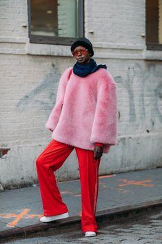 BG STREET STYLE/ New York Fashion Week Fall 2018   POPSUGAR #StreetFashionStyle Color Street, Fashion 2018, Fashion Weeks, New York Fashion, Street Chic, Street Snap, Street Fashion, New York Street Style, Street Style 2018
