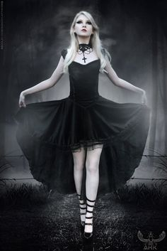 Goth, modern but looks victorian and steampunkish. Middle class, anerican , vampire movie? Idk.