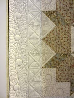 Swooning by Kay Bell - border quilting. Swoon pattern by Camille Roskelley. Photo by Sandy Quilts: The Festival of Quilts 2012