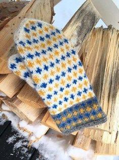 """Av Lilian Irisdotter, Piteå Dessa kom till av ett misstag. När jag skulle sticka maken till Heja vantarna så upptäckte jag att när den var klar att jag stickat mönsterbården förskjutet. Jag så då """"… Chunky Knitting Patterns, Loom Knitting, Knitting Stitches, Knit Mittens, Knitted Gloves, Beginner Knit Scarf, Knitting Accessories, Sock Yarn, Crochet Scarves"""