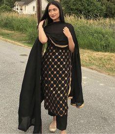 Best Trendy Outfits Part 8 Punjabi Suits Designer Boutique, Indian Designer Suits, Embroidery Suits Punjabi, Embroidery Suits Design, Designer Party Wear Dresses, Kurti Designs Party Wear, Pakistani Dress Design, Pakistani Outfits, Indian Wedding Outfits