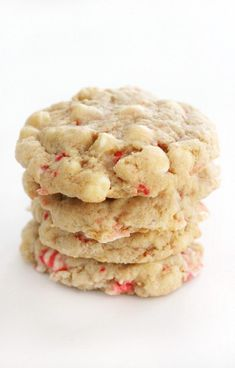 V/GF White Choco Peppermint Cookies - The perfect holiday cookie that tastes just like Christmas! These Vegan White Chocolate Peppermint Cookies are gluten-free & allergy-free! Dairy Free White Chocolate Chips, Vegan White Chocolate, Dark Chocolate Chips, Chocolate Peppermint Cookies, Chocolate Treats, Gluten Free Peanut Butter Cookies, Slow Cooker Times, Dessert Platter, Vegan Cauliflower