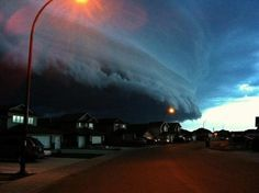 over lloydminister last night  Posted by: Jon16 // August 2, 2012  , // Shot: August 1, 2012