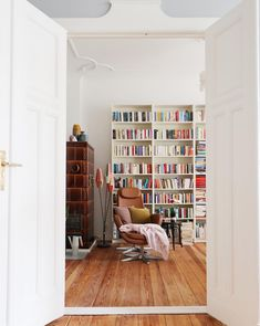 my scandinavian home: A Berlin Home of Many Colours