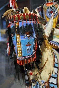 Juanita Growing Thunder Fogarty & Joyce Growing Thunder Fogarty - Assiniboine-Sioux Native American Horses, Native American Crafts, Native American Artifacts, American Indian Art, Native Beadwork, Native American Beadwork, Native Indian, Native Art, Horse Mask
