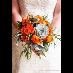 These flowers... I'm seriously loving the succulents in this bridal bouquet from @jpparkerflowers. #rachelrichard #rachelrichardphotography #jpparker #bouquet #flowers #weddingflowers #wedding #succulents #orange #bride
