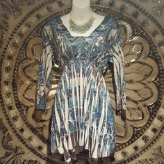 gorgeous  top beyond stunning great colors with stretch Tops Blouses