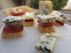 El queso azul que se elabora en la quesería artesanal El Cabriteru -Arenas de Cabrales-, marida a la perfección frutos secos o dulce, como es el caso de este membrillo.  El punto salado del queso y ese cierto toque picante, contrasta y se equilibra con este dulce.